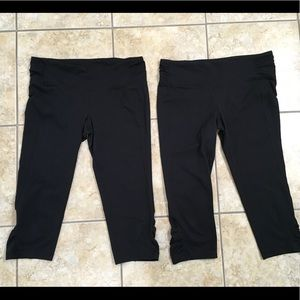 Two pair workout capris